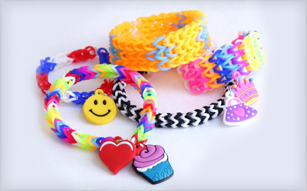 Complete Kit of 1200 Premium Coloured Loom Bands