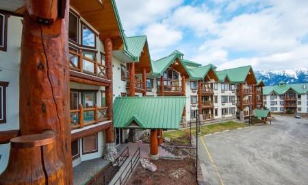 Lizard Creek Lodge in Fernie BC