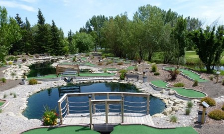 Crystal Ridge Family Golfing